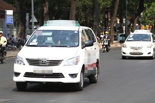Câu chuyện va quẹt giữa taxi và người đi đường khiến dân mạng suy ngẫm