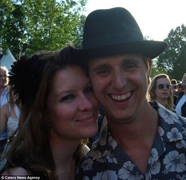 Cor Pan và bạn gái Neeltje Tol.