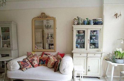 Phòng khách đơn giản, tinh tế