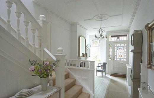 Cầu thang từ một góc nhìn khác.