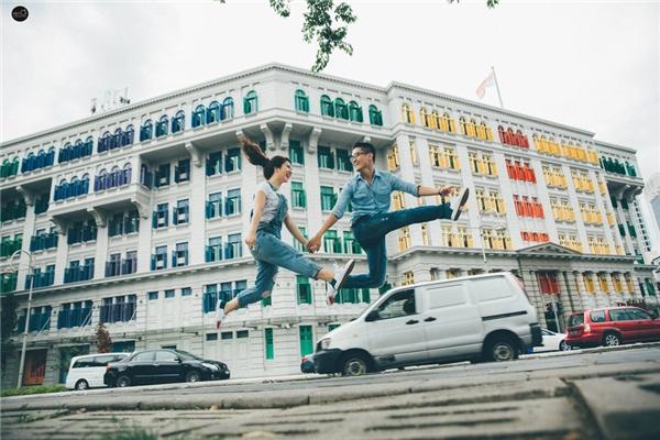 Cặp đôi ấy là Lê Thanh Sơn (sinh năm 1989, làm ngành hàng hải tại Vũng Tàu) và Nguyễn Thị Ánh Nguyệt (sinh năm 1992, kinh doanh shop thời trang).