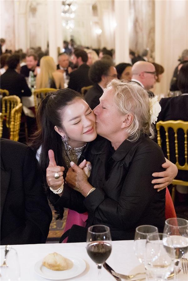 Như vậy, chuyến hành trình của Lý Nhã Kỳ tại Cannes 2016 đã kết thúc tốt đẹp. Công chúng, khán giả nước nhà tiếp tục chờ đợi sự tỏa sáng của cô trên nhiều thảm đỏ quốc tế khác trong thời gian tới.