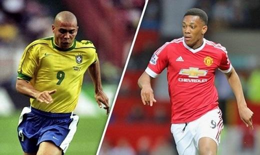 Martial (phải) được đánh giá sở hữu tốc độ và kĩnăng giống Ronaldo của Brazil. Ảnh:Express Sport.