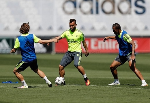 Các cầu thủ Real tập luyện rất chăm chỉ những ngày này.Ảnh: Real Madrid.com