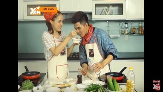 Bếp Chiến: Hương Giang Idol và Will (365) làm món bánh ướt cuộn chả cá (Phần 3)