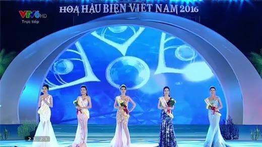 """""""Hết hồn"""" với câu trả lời ứng xử không liên quan của tân Hoa hậu Biển 2016"""