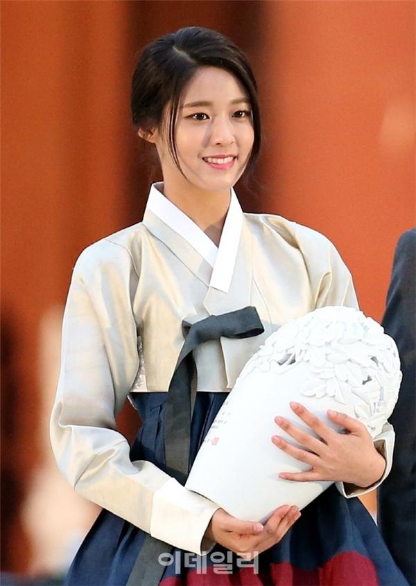 Dốt lịch sử, Seolhyun bị xóa khỏi trang web Cục Du lịch Hàn Quốc