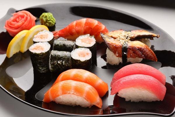 Món sushi cá ngừ đắt đỏ nhưng cũng gây ra nhiều tranh cãi.