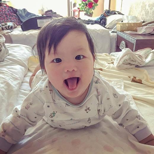 Vương Hựu Thắng đã kết hôn vào tháng 4/2015 và có một con gái rất xinh xắn, đáng yêu.