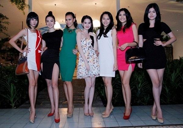 """Chiều cao của Ngọc Trinh so với mặt bằng chiều cao của phụ nữ Việt Nam là kha chuẩn nhưng so với các chân dài khác thì cô nàng lại khá """"khiêm tốn"""". - Tin sao Viet - Tin tuc sao Viet - Scandal sao Viet - Tin tuc cua Sao - Tin cua Sao"""