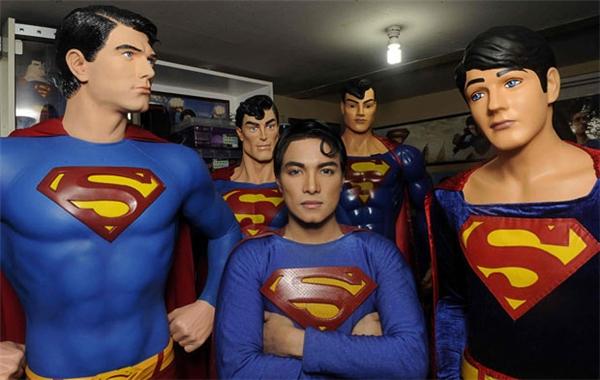 Với chiều cao 1,7m, Herbert cũng từng có ý định nâng cấp chiều cao của mình để giống một Superman người Mỹ. Tuy nhiên sau một thời gian suy nghĩ, anh cho biết việc gắn kim loại vào xương là quá mạo hiểm.