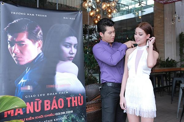 Vì lẽ đó, nam diễn viên luôntỏ ra ga-lăng với người đẹp Mai Hàn. - Tin sao Viet - Tin tuc sao Viet - Scandal sao Viet - Tin tuc cua Sao - Tin cua Sao