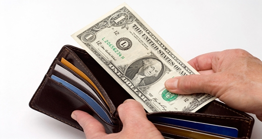 Nên để một khoản tiền dự trữ trong ví. (Ảnh: Internet)