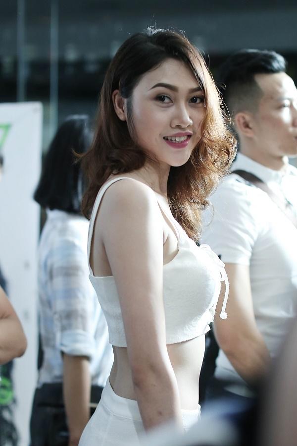 Trong số đó, vẫn có những thí sinh sở hữu chiều cao cùng số đo nổi trội. Trong ảnh là Nguyễn Ngọc Yến, cao 1m78, số đo 3 vòng 80-60-93.