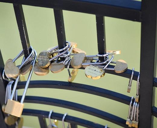 Chìa khóa tình yêu được móc trên cầu Đà Nẵng. (Ảnh: Internet)