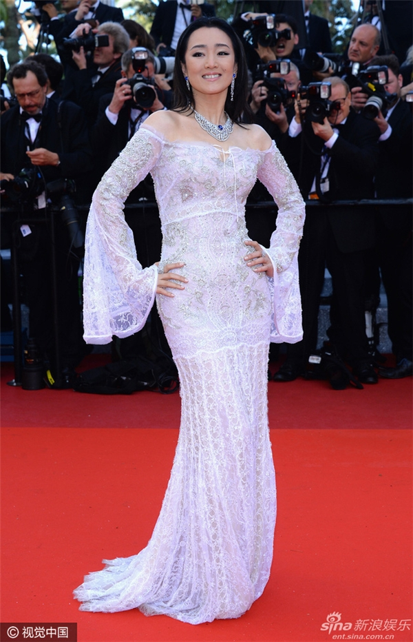 tới dự LHP Cannes với tư cách là ngôi sao tầm cỡ châu Á, người từng tham gia chấm giải Cannes.