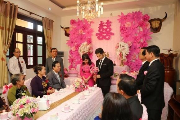"""Đám cưới được mệnh danh là """"sang chảnh nhất Việt Nam"""" khi thuê hẳn chiếc máy bay để rước dâu từ TP.HCM về Cà Mau (Nguồn Trí thức trẻ)"""