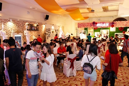 Saving Wedding luôn thu hút hàng ngàn lượt khách tham quan