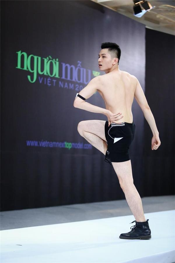 Lý Quí Khánh phải quỳ lạy Thanh Hằng