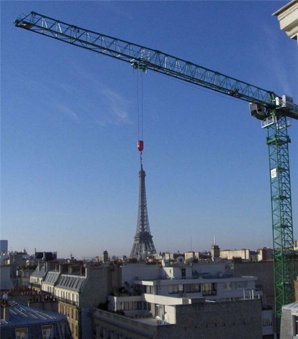 Định cẩu tháp Eiffel đi đâu thế?