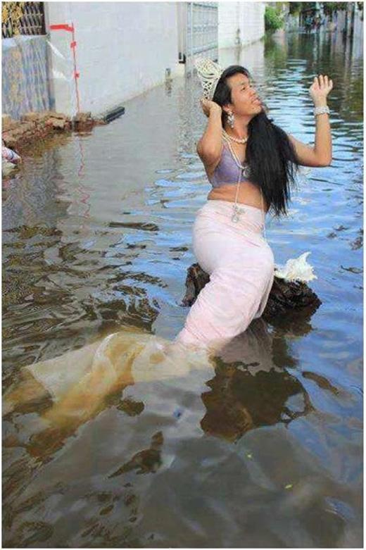 Cuối cùng cũng thỏa mơ ước được làm nàng tiên cá rồi.(Ảnh: Internet)