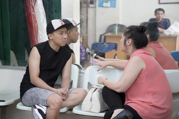 Để chuẩn bị kĩ càng cho các show diễn mà anh tham gia, Trấn Thành phải dành thời gian tập dượt nhiều lần. - Tin sao Viet - Tin tuc sao Viet - Scandal sao Viet - Tin tuc cua Sao - Tin cua Sao