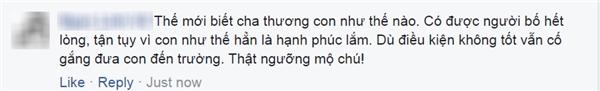Rớt nước mắt với bức ảnh cha cõng con đi học giữa Hà Nội ngập nước