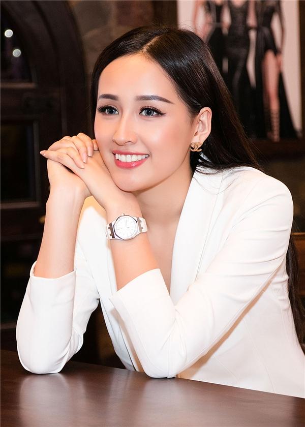 Gu thời trang gợi cảm, hiện đại của Hoa hậu Việt Nam 2006 luôn được khán giả, giới mộ điệu đánh giá cao.
