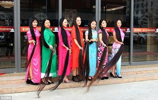 Tóc đen dài là một biểu hiện của sức khỏe và thịnh vượng của bộ tộc mà người phụ nữ đó sinh sống.