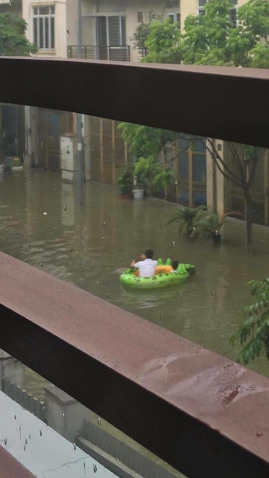 Chắc nhiều hộ gia đình sẽ sắm thêm bể bơi trẻ em trong nhà sau hôm nay. (Ảnh: Internet)