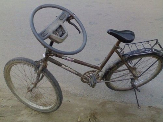 Lái xe đạp đậm phong cách xe hơi.