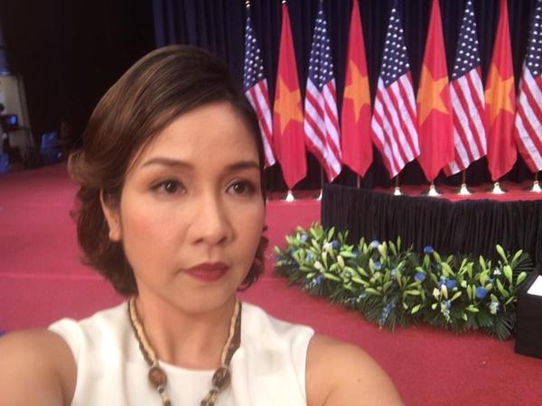"""Lần đầu tiêncó dịp diện kiến ngàiObama và hát Quốc ca Việt Nam trước Tổng thống Mĩ, trên trang cá nhân, Mỹ Linhvui vẻ """"selfie"""" và chia sẻ sự háo hức khi có được vinh dự này trước giờ biểu diễn. - Tin sao Viet - Tin tuc sao Viet - Scandal sao Viet - Tin tuc cua Sao - Tin cua Sao"""