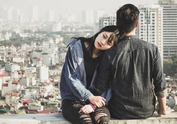 Liệu anh ấy có yêu bạn khi cứ giấu giếm mối quan hệ này?(Ảnh: Internet)