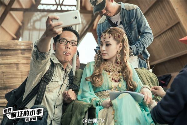 Ra mắt màn ảnh rộng, Jessica đụng độ tình cũ của bạn trai