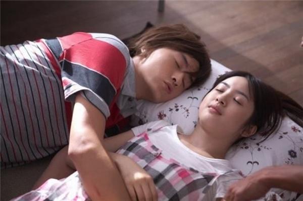 Ngoài Thơ Ngây 1, 2 Trịnh Nguyên Sướng còn tái hợp Lâm Y Thần trong bộ phim Ổ Bánh Mì Tình Yêu