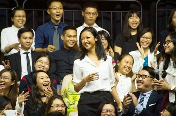 Nụ cười đẹp của Suboi trên báo quốc tế. Ảnh: AFP - Tin sao Viet - Tin tuc sao Viet - Scandal sao Viet - Tin tuc cua Sao - Tin cua Sao