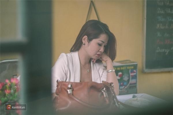 Cô giáo dạy ngôn ngữ ký hiệu - Ngô Thị Kim Oanh.