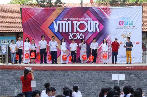 """Teen Sài Thành """"quậy tưng"""" với Chào hè sôi động cùng VTM Tours 2016"""