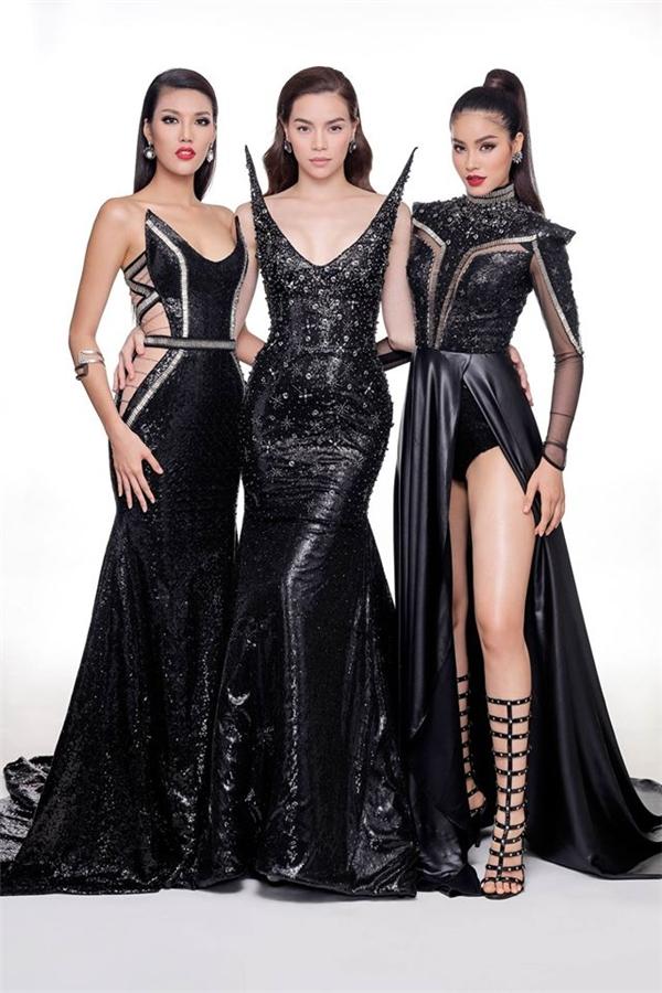Bộ ba gây ấn tượng mạnh với trang phục sắc đen quyền lực, cá tính nhưng không mất đi sự quyến rũ.