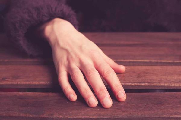 Làm 8 động tác tay này, bạn sẽ bất ngờ vì tác dụng đối với xương khớp