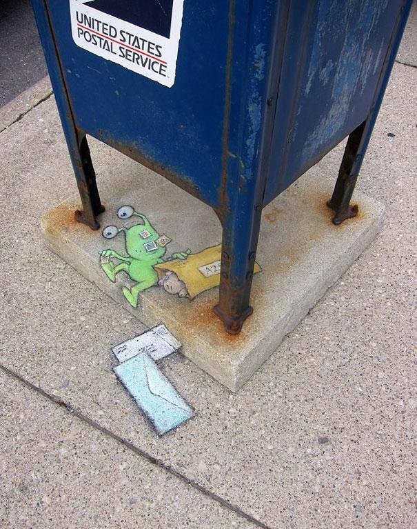 Bắt quả tang hai thanh niên đang trộm thùng thư.
