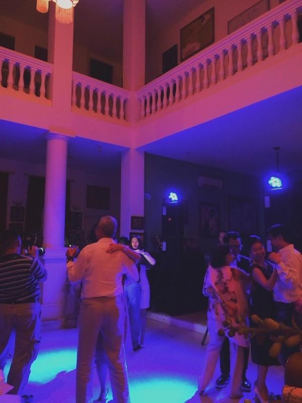 Tại đây thường xuyên tổ chức những bữa tiệc có mặt nhiều nghệ sĩ đình đám Việt Nam. - Tin sao Viet - Tin tuc sao Viet - Scandal sao Viet - Tin tuc cua Sao - Tin cua Sao