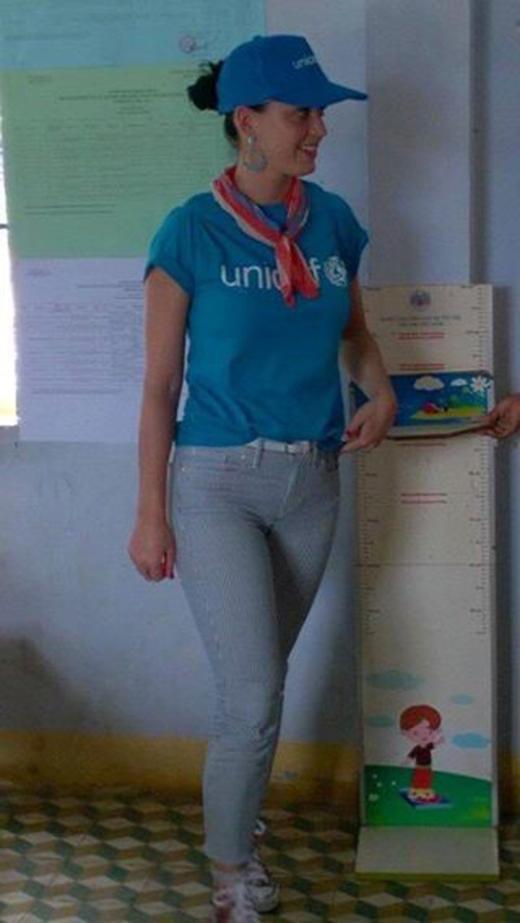Theo lịch trình hoạt động đoàn công tác của UNICEF, trong lần ghé thăm Việt Nam lần này của Katy Perry với vai trò đại sứ thiện chí đã tới xã Phước Thắng, huyện Bác Ái tỉnh Khánh Hòa.