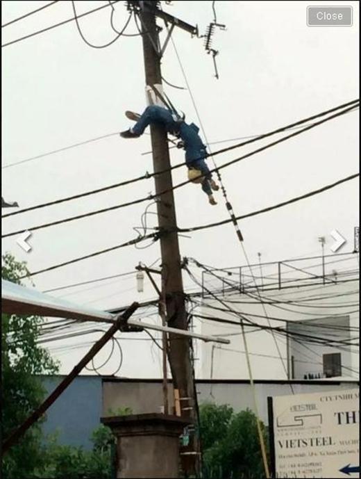Anh nhân viên tử vong ngay tại chỗ khi còn đang sửa điện dưới trời mưa. (Ảnh: Internet)