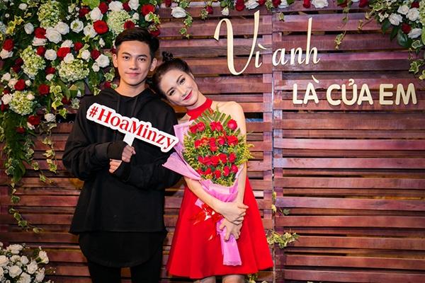 Hòa Minzy và bạn diễn trong phim ngắn Vì anh là của em - chàng trai 15 tuổi,Trần Tuấn Hiệp.
