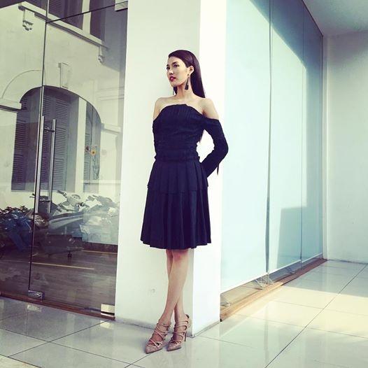 Bên cạnh hàng hiệu, Lan Khuê vẫn diện trang phục của những nhà thiết kế tài năng trong nước. Khán giả, người hâm mộ vẫn chờ đợi những thay đổi táo bạo hơn của cô tại The Face Vietnam 2016.
