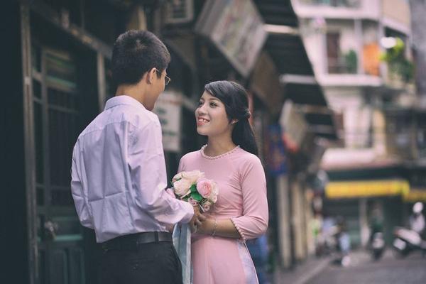 Nhiếp ảnh gia thực hiện bộ ảnh cưới của Vân Anh và Đạt cho biết đây là một món quà đặc biệt mà anh muốn dành tặng đến cặp đôi.