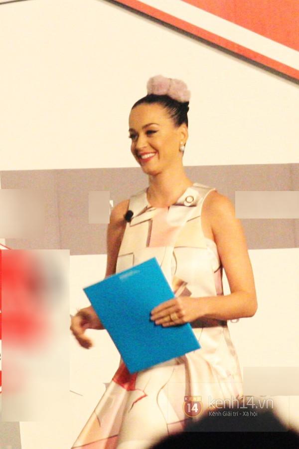 Katy Perry khi đến Việt Nam năm ngoái