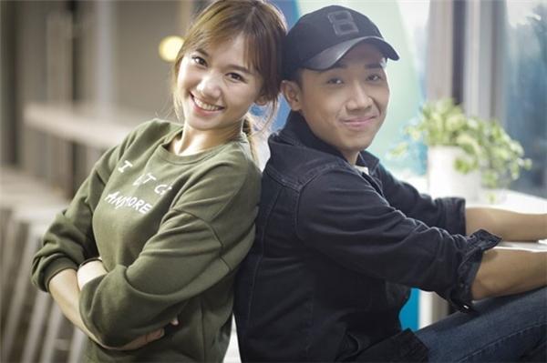 Nụ cười tươi tắn, tỏa nắng của Hari Won luôn tạo cảm giác bình yên, nhẹ nhàng cho người đối diện.