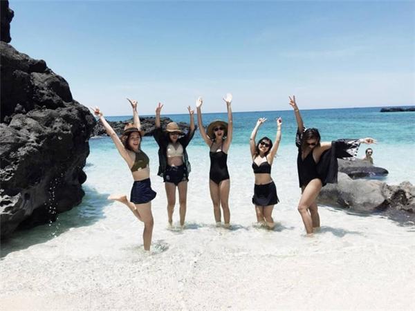 Đi du lịch với hội bạn gái mà thích thế này, thì cần gì người yêu nữa?